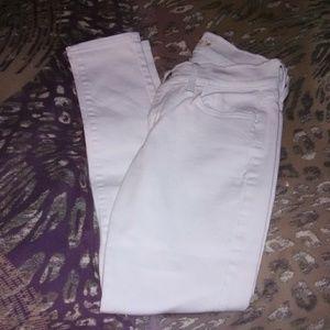 Gorgeous pair of Levi's straight leg jeans size 27